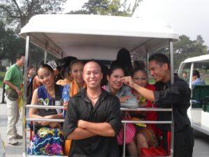 Kevin & Tomas Meeting girls on Tram